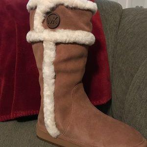 Michael Kors Winter Tall Boot - size 7M